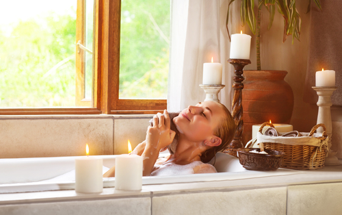 Top Tips To Creating An Aromatherapy Bath At Home