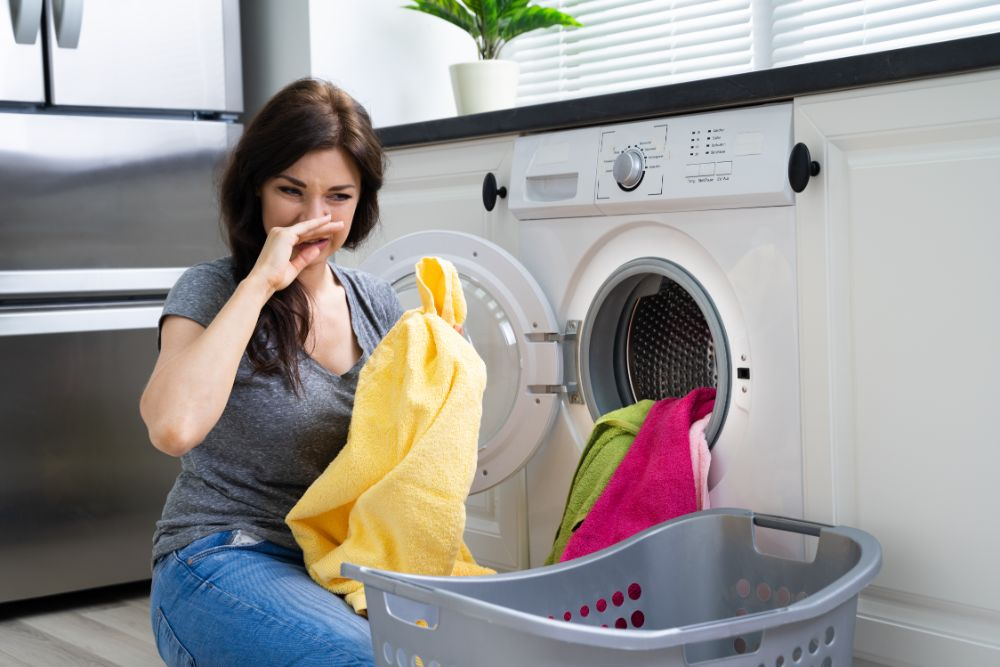 Top Tips To Strip Stinky Towels With Essential Oils