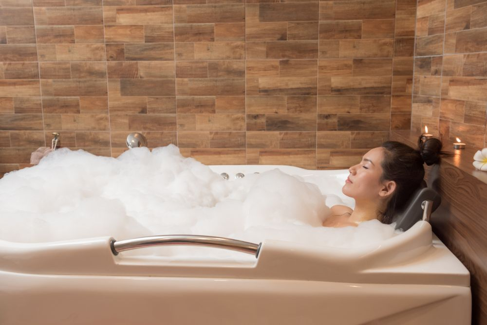 Why Enhance Your Hot Baths With Essential Oils?